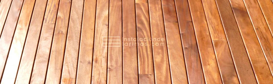 foto de tarima de grapia con garantía en la instalación de la tarima de exterior