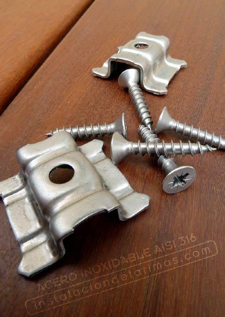 Foto de grapa y tornillo de acero inoxidable aisi 316 para calidad de la instalación exterior