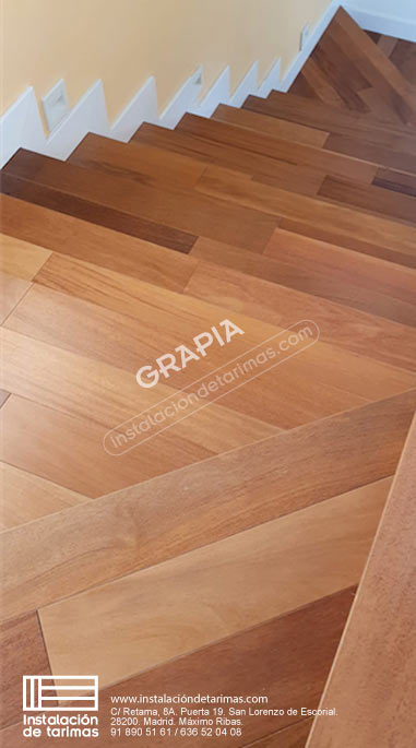 Foto de oferta de madera maciza de grapia para una escalera