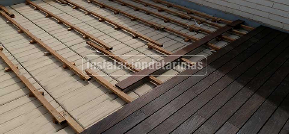 Oferta de instalación de tarima exterior con tarima tropical y accesorios incluidos