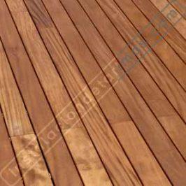 Cuál es la dirección correcta de la instalación de la tarima en una superficie rectangular