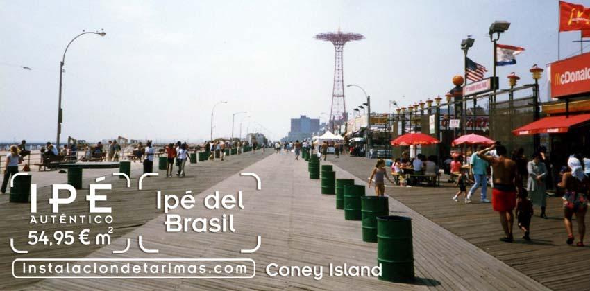 foto de Coney Island con suelo de tarima de ipé y con texto con precio de tarima